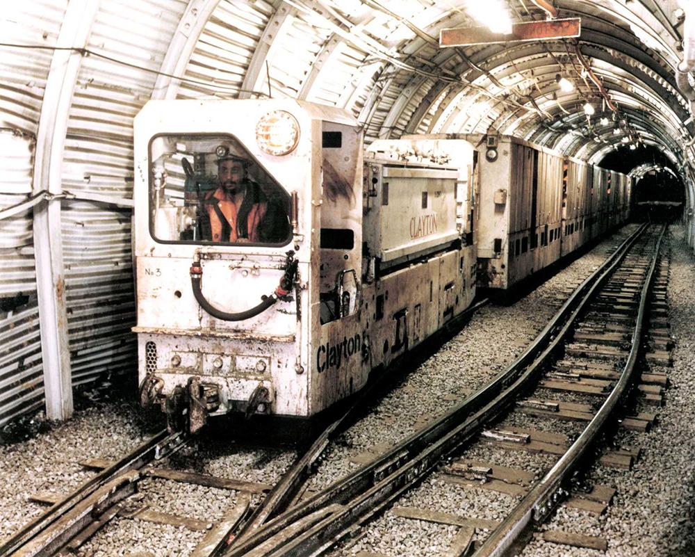 Clayton FLP battery locomotive